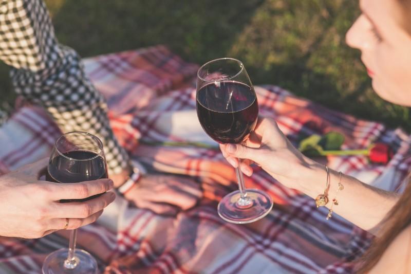 Açık Havada Romantik Piknik